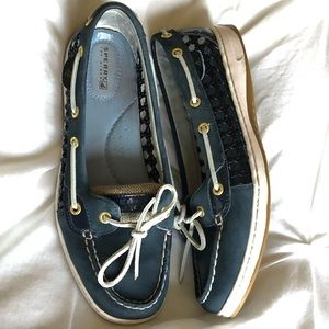 Navy Angelfish cane-woven Sperry's